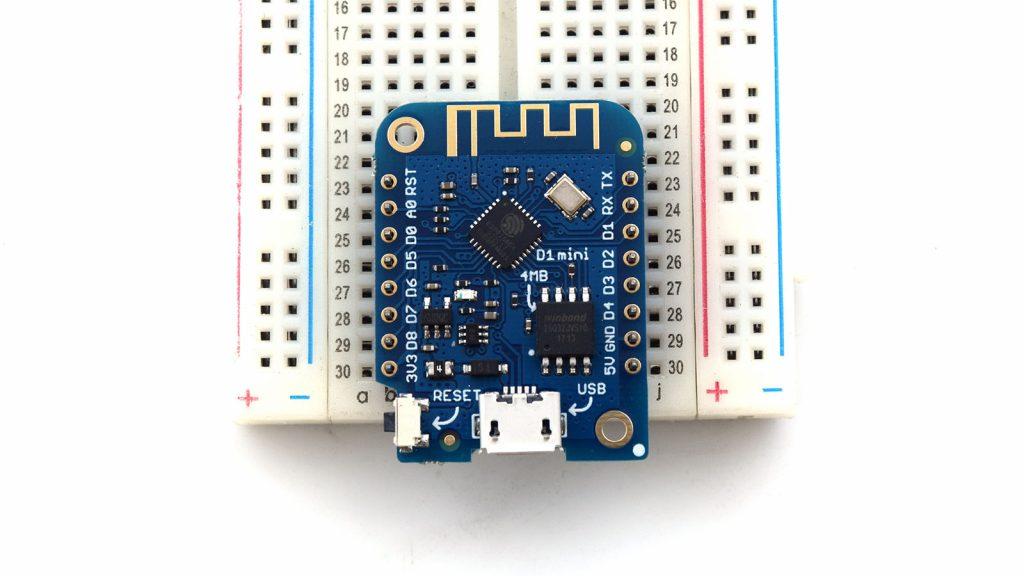 Scheda Wemos D1 Mini su breakout board - protipizzazione per impianto domotico